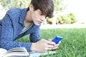 Ragazzo, Smartphone, Condivisione